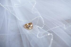 13. Membedakan Cincin Emas Murni dengan Cincin Kuningan